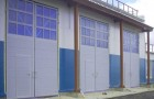 Распашные ворота в здание из сэндвич панелей