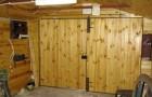 Распашные гаражные ворота из металла и металлопрофиля