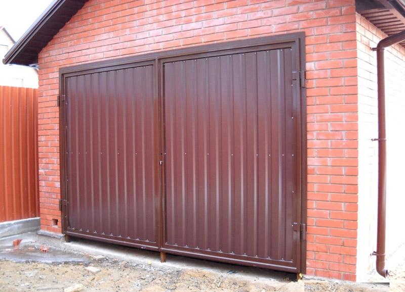 Железные ворота на гараж из профиля металлический гараж движимое или недвижимое имущество